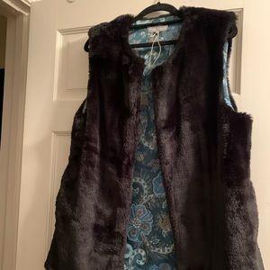 WORLD MARKET Faux Fur open vest One Size